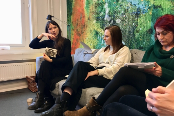 Embedded artist meeting