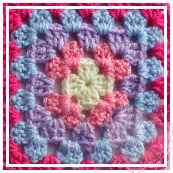 Scrapalicious Bag Part One - A Free Crochet Along | Creative Crochet Workshop #ccwscrapaliciousbag #crochetalong #scrapsofyarn