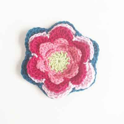 FLOWER FREE PATTERN ANNEMARIE HAAKBLOG|SNICKERDOODLE SUNDAY FEATURE|CREATIVE CROCHET WORKSHOP