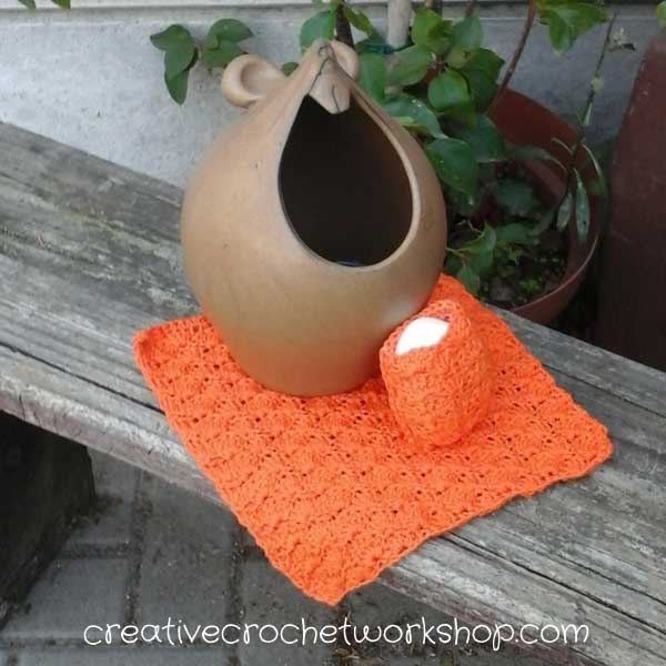 #AutumnSpringBlogHop2017 Orange Shells Washcloth & Soap Saver | Creative Crochet Workshop