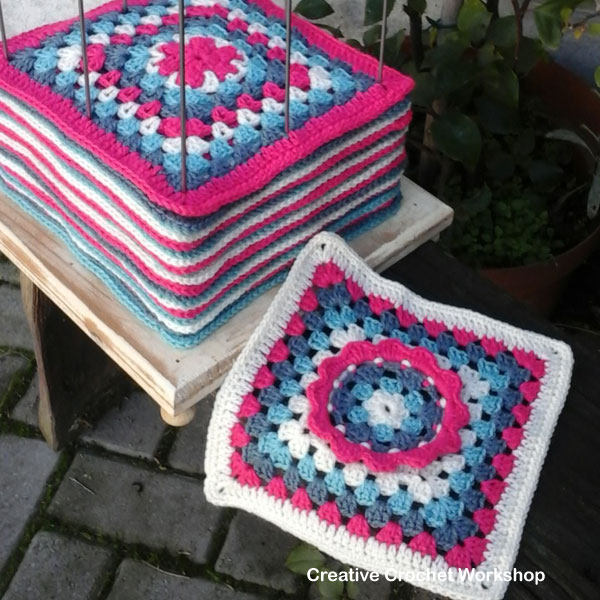 Frilly Circle Granny Square | Creative Crochet Workshop - This Frilly circle Granny Square is the 25th Afghan Block in the Crochet A Block Afghan 2017 Crochet Along!@creativecrochetworkshop