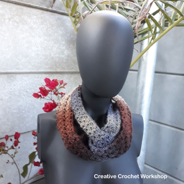 Infinity Prague Scarf - Free Crochet Pattern | Creative Crochet Workshop #ScarfoftheMonthClub2017