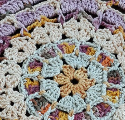 Scrapsadelic Frutti Tutti Mandala Square - Free Crochet Pattern | Scraps Of Yarn Mini Crochet Along Series | Creative Crochet Workshop