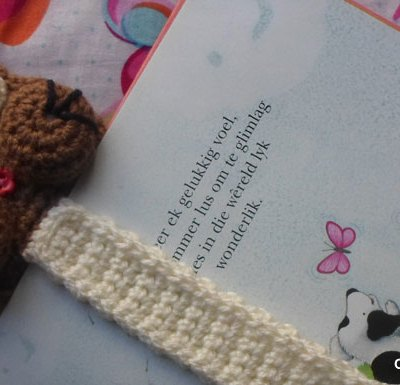 STORY TIME ADORABLE CAT BOOKMARK