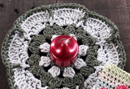 Christmas Flower Doily - Free Crochet Pattern | Creative Crochet Workshop #2018ChristmasInJulyCAL