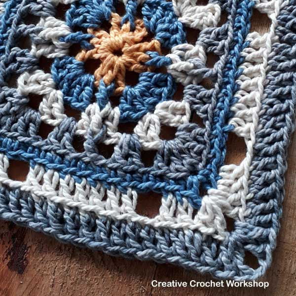 Merry Trellis Square - Free Crochet Pattern | Creative Crochet Workshop #freecrochetpattern #crochet #crochetsquare