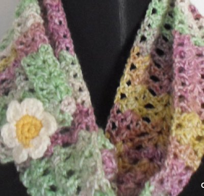 Starry Eye Spring Scarf - Free Crochet Pattern | Creative Crochet Workshop #freecrochetpattern #crochet @creativecrochetworkshop