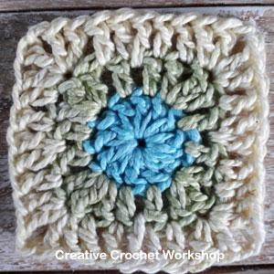 Mini Square It Square - Free Crochet Pattern   Creative Crochet Workshop @creativecrochetworkshop #freecrochetpattern #grannysquare #afghansquare #crochetalong #ccwscrapsrificrainbowblanket