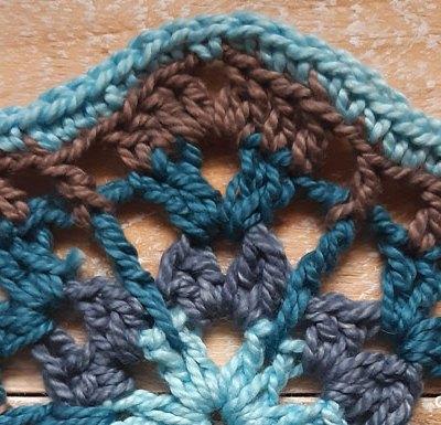 Jalaneel Hexagon - Free Crochet Pattern | Creative Crochet Workshop #freecrochetpattern #crochet #crochetalong #hexagon @creativecrochetworkshop
