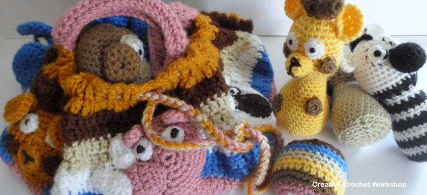 Safari Animal Crochet Bag - Free Crochet Pattern | Creative Crochet Workshop #freecrochetpattern #crochet #crochetbag #safarianimal #playset #crochettoy #crochetsoftie @creativecrochetworkshop
