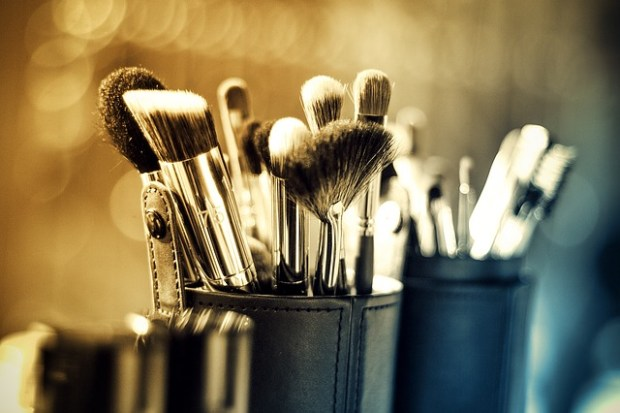 Different Makeup Brushes And Their Uses (2)