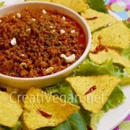 Dip de soja con tomate y nachos