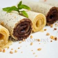 Crepes de vainilla al ron con chocolate blanco y negro