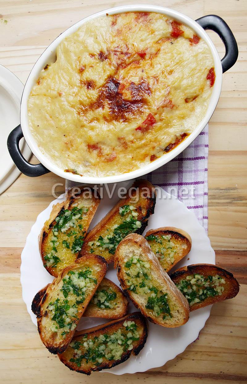 Dip de lasaña y pan de ajo