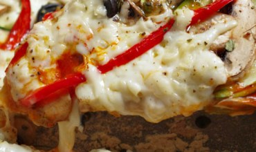 Pizza vegetal con mozzarella vegana casera