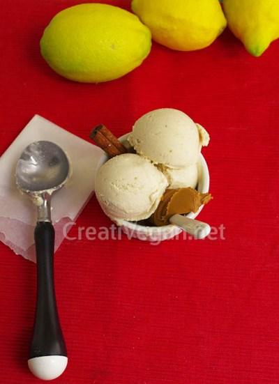 Helado vegano de cheesecake de limón con dátiles
