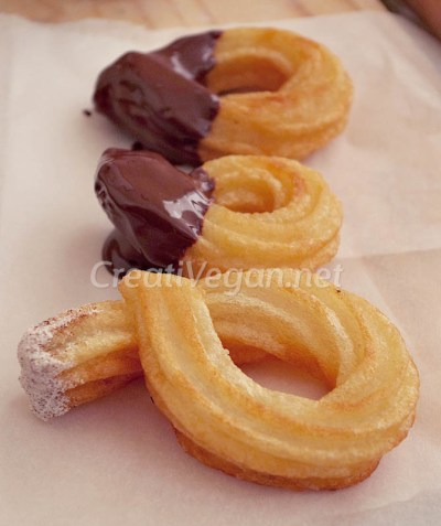 Churros con chocolate y con azúcar