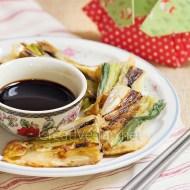 Pajeon (vegano): tortitas saladas de cebolla de primavera