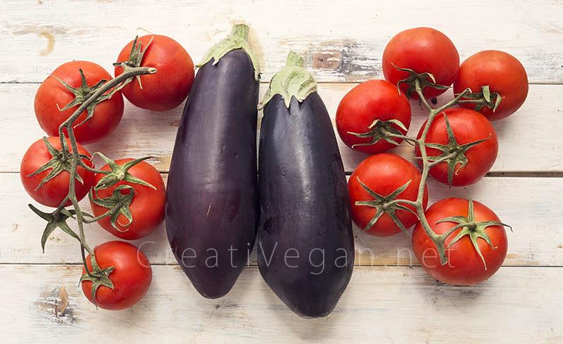 Berenjenas y tomates: ingredientes para hacer zaalouk