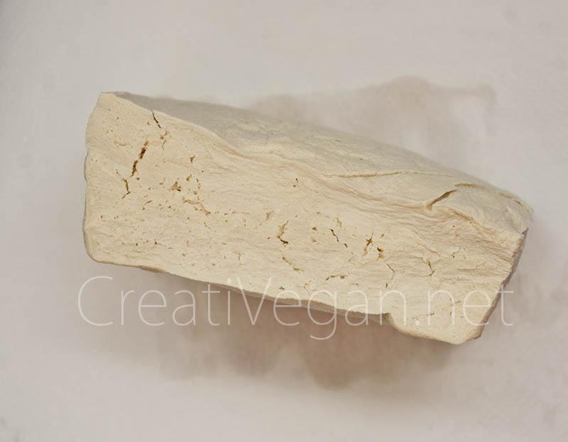 Tofu duro congelado, descongelado y escurrido - CreatiVegan.net