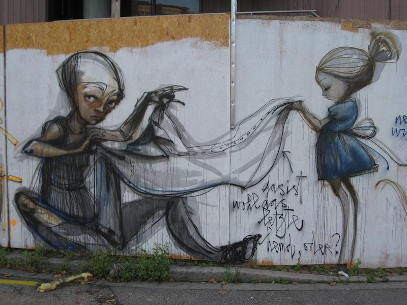 213b9d666e561614418e01de2028d63c 80+ Amazing Guerrilla Street Art Inspiration Examples Guerilla Marketing Example