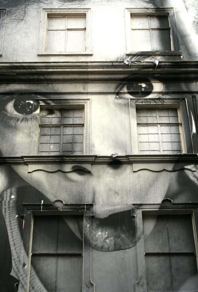 ff98e63ca691ca9e2e4e5366799ecc94 80+ Amazing Guerrilla Street Art Inspiration Examples Guerilla Marketing Example
