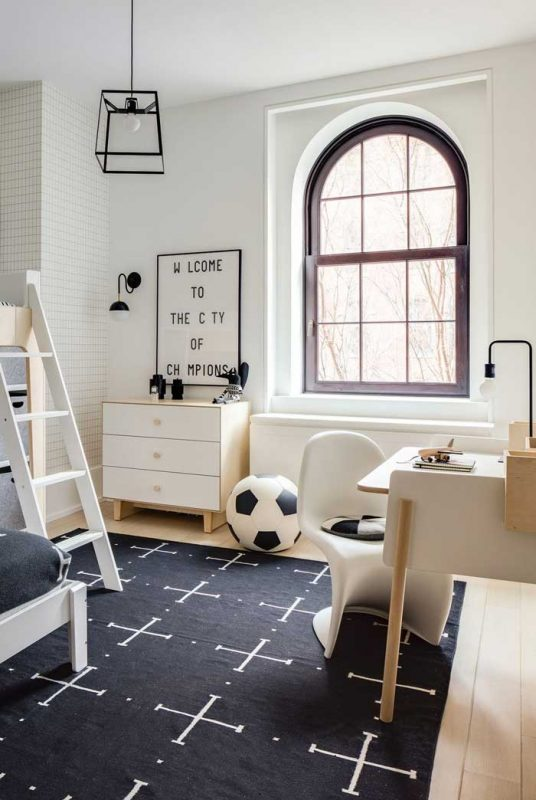 Black wgite kids room decor
