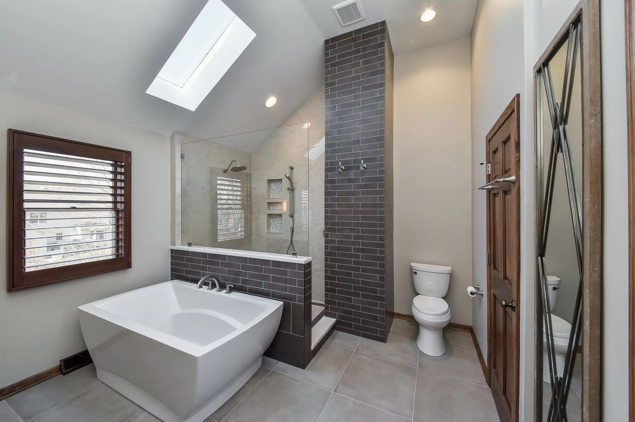 Bathroom Remodeling Contractor in Beverly Hills CA – Creative Innovation Developers Inc.