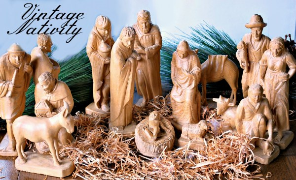 #Averyvintageholiday Vintage Nativity with some sentimental scripture #thewordofGOD