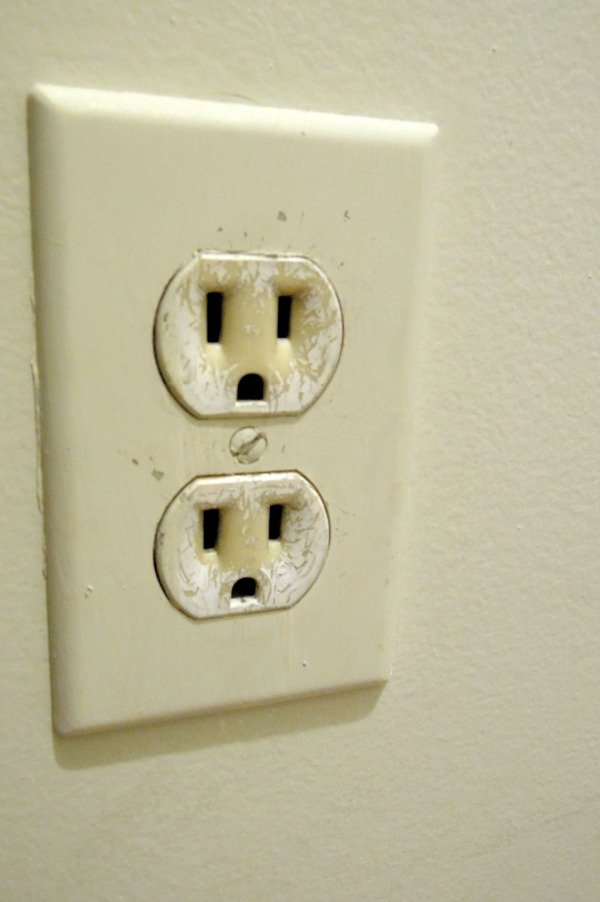 Changing electrical outlet