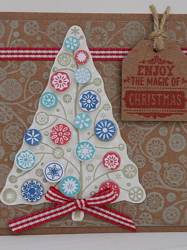Papercraft Essentials 125 – Christmas inspiration