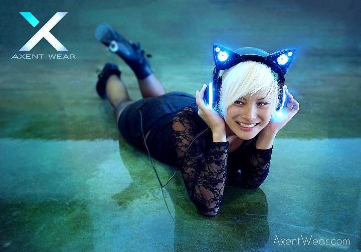AxentWear_008CatHeadphones_720x502