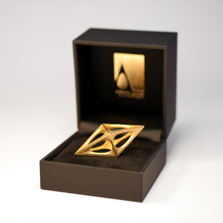 Gold-Trophy-in-Box