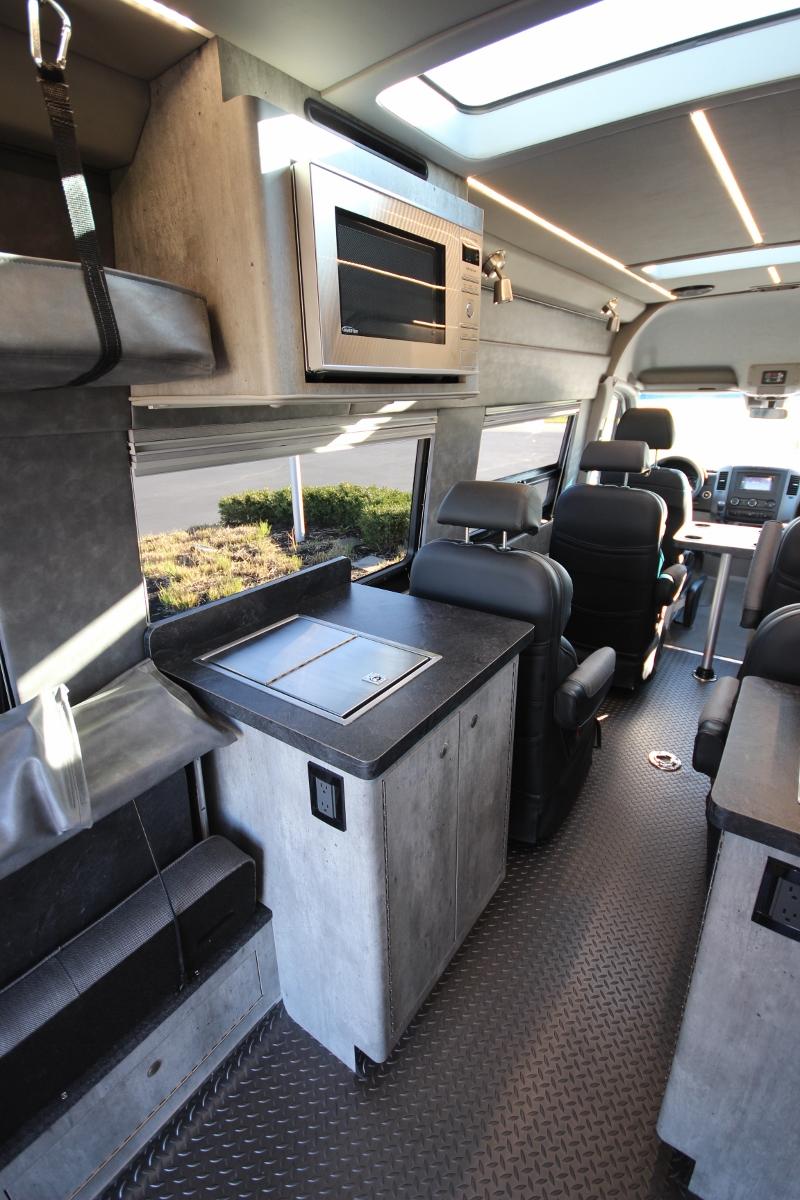 4x4 Mercedes Exploration Van
