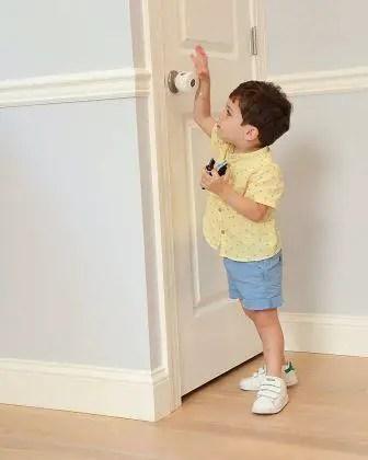 Baby proofing door