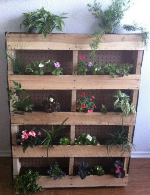 10 Amazing Gardens Made With Repurposed Wooden Pallets