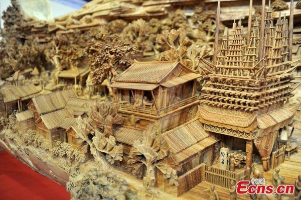 longest-wood-carving4