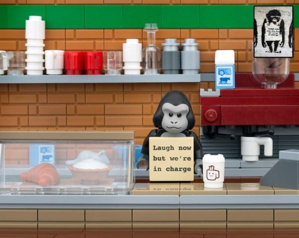 bricksy-recreates-banksy-in-LEGO-designboom-02