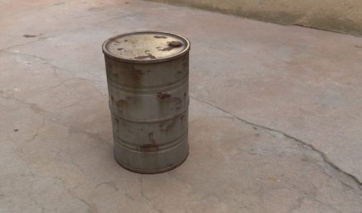 Barrel textured with rusty steel substance with exposed parameters