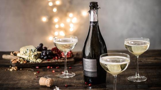 croppedimage1180664-christmas-hub-prosecco