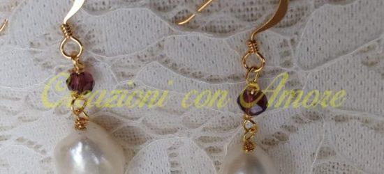 Orecchini pendenti perle bianche
