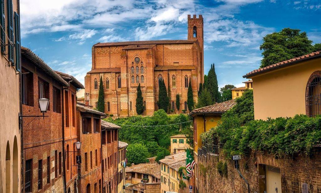 Descubre la Basílica de Santo Domingo en Siena