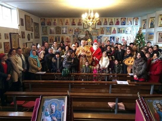 Mos Craciun a venit la copii cei cuminti din Parohia Straubing * www.credinta-ortodoxa.com