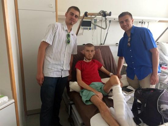 Tinerii Sebastian Ioan şi Dimitrie Reuţ în vizită la fratele Nicolae Cosmin Paunescu