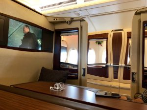 Singapore Airlines A380 First Class Suites in 10 Photos