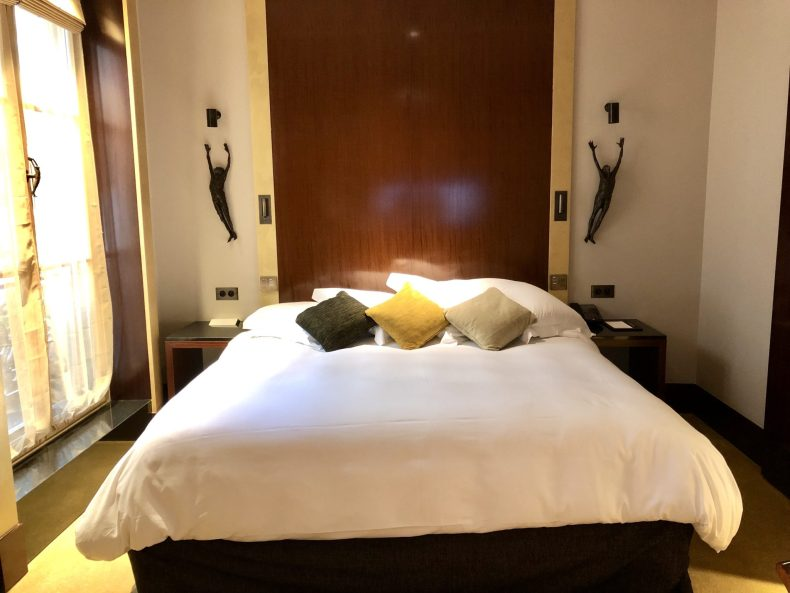 King Bed in Park Hyatt Paris King Deluxe Room