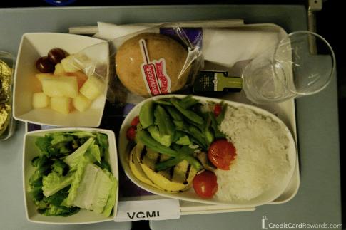 LATAM economy vegetarian dinner