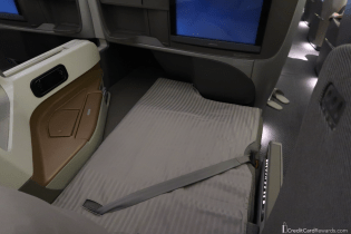 Singapore Airlines Business Class Lie-Flat Bed