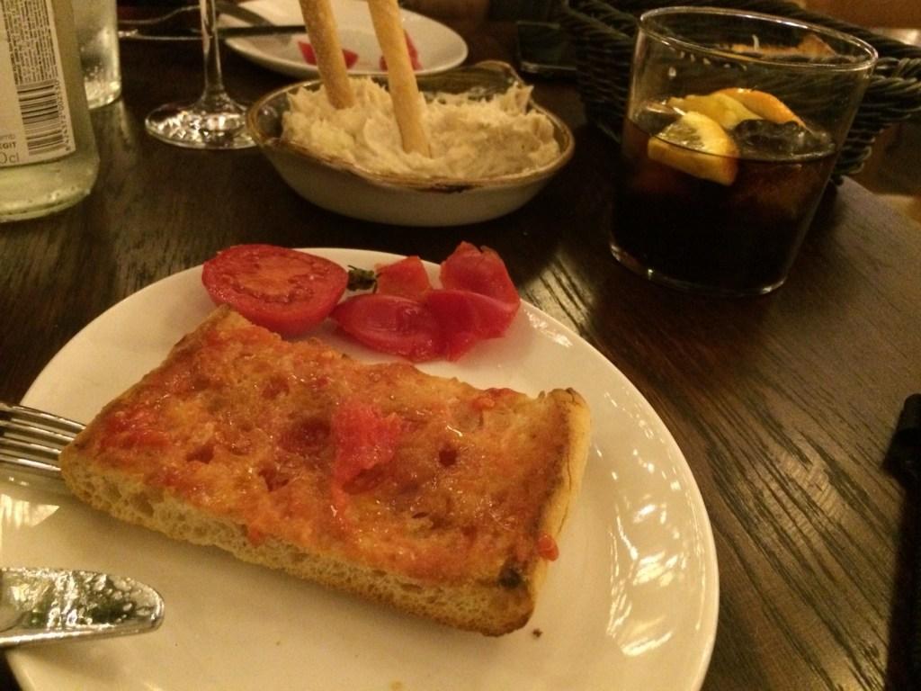 Pan amb Tomaquet in La Tapería van El Nacional- Crema Catalana - blog over reizen, beleven, eten en logeren in Spanje
