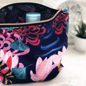 Shimmer Velvet Washbag – Midnight Florals